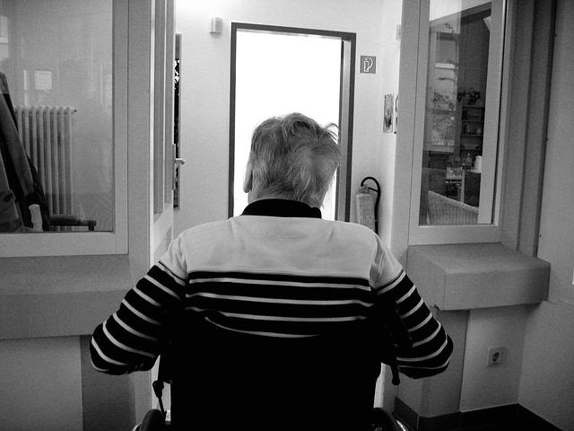 Cuando llega el deterioro total del paciente de alzheimer, se convierte en un final duro y muy difícil para los familiares.