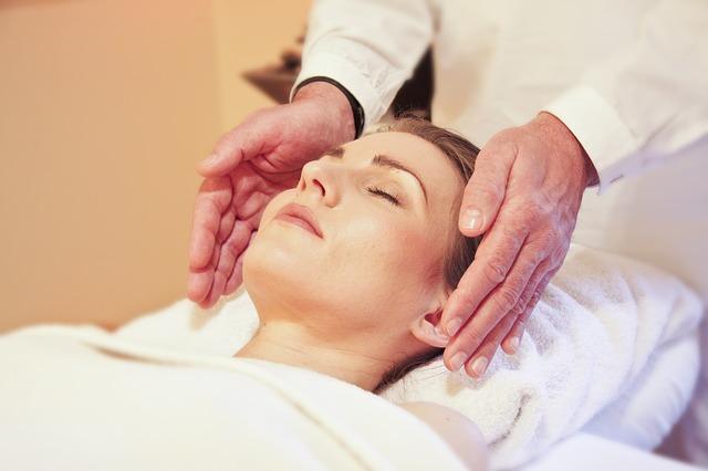 Las pseudoterapias en general existen y han existido desde el principio de los tiempos, con distintos nombres y formas en todas y cada una de las sociedades humanas.