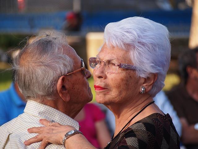 El 15 de junio se celebra el Día Mundial de Toma de Conciencia de Abuso y Maltrato en la vejez con el fin de poder expresar nuestra resistencia ante los abusos y sufrimiento impuesto a nuestros mayores.